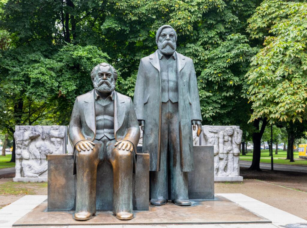 Kommunismus, Kommunismus Definition, Was ist Kommunismus, Kommunist, Kommunisten, kommunistisch, sozialismus kommunismus, kommunismus sozialismus, was bedeutet kommunismus